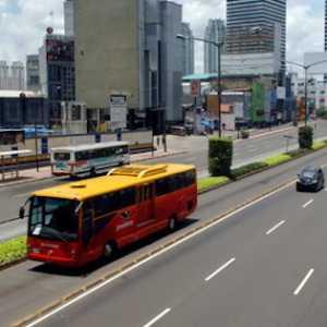 Demi Kenyamanan Pelanggan, Transjakarta Pasang Wifi Gratis Di Halte
