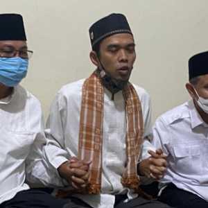 Ustaz Abdul Somad Doakan Akhyar-Salman Kalahkan Bobby-Aulia Di Pilkada Medan