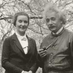 Mengintip Hubungan Cinta Albert Einstein Dengan Mata-mata Rusia