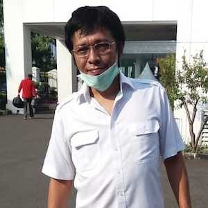 Pengamat: Dari Sekian Ratus Organ Relawan Jokowi, Hanya Adian Yang Ngurus Jabatan Di BUMN