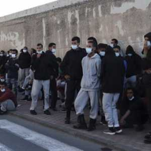 Dianggap Tak Becus Tangani Krisis Imigran, Mendagri Spanyol Dituntut Mundur