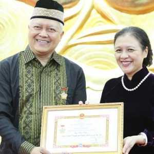 Sukses Perkuat Hubungan Indonesia-Vietnam, Dubes Ibnu Hadi Dapat Medali Persahabatan