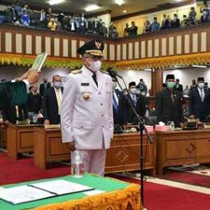 Resmi Jabat Gubernur Aceh,Nova Iriansyah Bersumpah Untuk Penuhi Kewajibannya