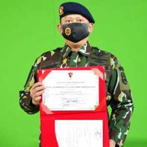 Terima Anugerah Warga Kehormatan Utama Korps Brimob, Bamsoet: Dalam Bertugas, Brimob Pantang Abaikan HAM