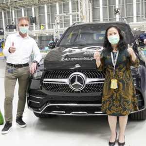 Rayakan 50 Tahun Produksi Di Indonesia, Mercedes-Benz Pamerkan Sejumlah Mobil Rakitan Lokal