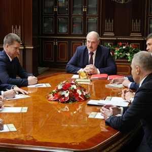 Lukashenko Tunjuk Mantan Menteri Pertahanan Sebagai Duta Besar Belarusia Untuk Azerbaijan