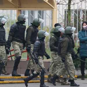 Puluhan Jurnalis Ditangkap Aparat Belarusia