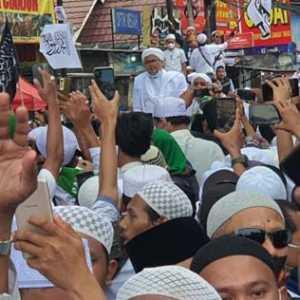 Massa Membeludak, Bukti Habib Rizieq Punya Pendukung Setia