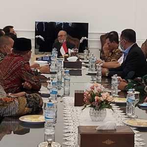 Disambangi Rombongan DPR, Wali Nanggroe Aceh Minta Aceh Lebih Diperhatikan