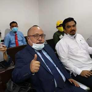 Hakim Ketua Sakit, Sidang Gugatan Ilham Bintang Ditunda