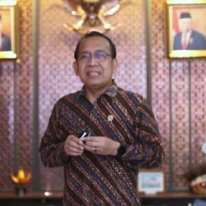 18 Nama Calon Anggota Ombudsman Disetor Jokowi Ke DPR