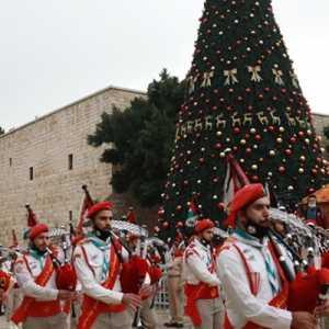 Parade Marching Band Palestina Meriahkan Acara Perayaan Natal Di Betlehem