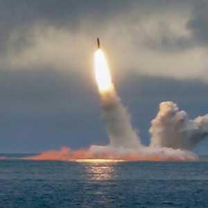 Unjuk Gigi Jelang Berakhirnya New START, Rusia Uji Peluncuran Rudal Balistik Antarbenua Dari Bawah Laut