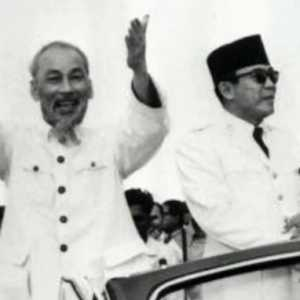 Kilas Balik Kunjungan Bersejarah Ho Chi Minh ke Indonesia: Seperti Berkunjung Ke Rumah Saudara