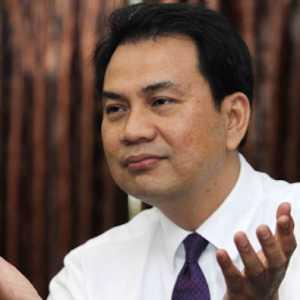 Rumah Sakit Mulai Buka Pendaftaran Vaksin, Azis Syamsuddin: Jangan Offside!