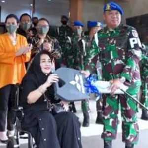 Serahkan Hibah Kendaraan Ke TNI, Rachmawati Soekarnoputri: Semoga Dapat Digunakan Dan Dimanfaatkan Sebaik-baiknya
