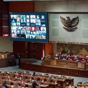 Hampir Separuh Anggota DPR Hadir Di Rapat Paripurna Secara Virtual
