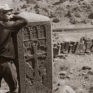 Julfa: Pemakaman Kristen Tertua Di Dunia Dan Hancurnya Situs Budaya Bersejarah