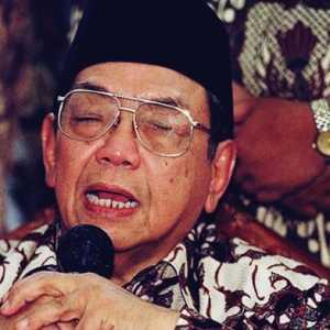 Gus Dur Pilih 'Bakar' Kemensos Karena Banyak Koruptor, Jokowi?