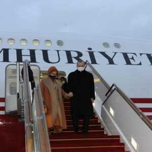 Erdogan Dan Isteri Tiba Di Baku Untuk Hadiri Perayaan Kemenangan Azerbaijan