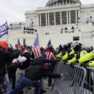 Penyerbuan Capitol Hill, Netizen China: AS Akhirnya Merasakan Karma Dari Standar Gandanya Selama Ini