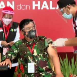 Disuntik Pertama Bareng Presiden, Hadi Dan Idham Minta Prajurit TNI-Polri Tidak Ragu Dan Ikut Sukseskan Vaksinisasi