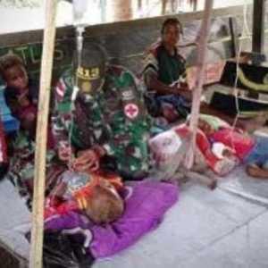 TNI Selamatkan Nyawa Dua Anak Papua, Steve Mara: Pemerintah Harus Beri Penghargaan