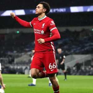 Lini Depan Kembali Greng, Liverpool Pecundangi Tottenham 3-1