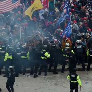 Korban Tewas Kerusuhan Capitol Hill Bertambah, Kali Ini Dari Pihak Kepolisian