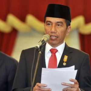 Apakah Jokowi Merasa Sudah Bisa Memegang Golkar?