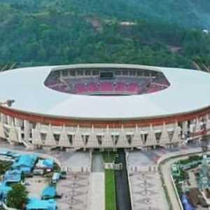 Berdasarkan Hitungan MAKI, Selisih Dana Bansos Bisa Buat Bangun 2 Stadion Megah Di Papua