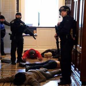 Heran Dengan Ketidaksiapan Aparat Jaga Capitol Hill, Anggota Parlemen Desak Penyelidikan Segera