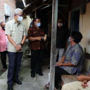 Diingatkan Ganjar Pranowo, Pembagian Bansos Tunai Di Jateng Jangan Sampai Picu Kerumunan