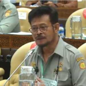 Dicecar Komisi IV DPR Soal Daging Sapi, Mentan Malah Curhat