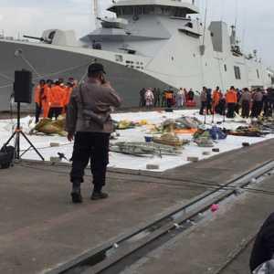 Polisi Ingatkan Pewarta Dan Tim Pencari Sriwijaya SJ-182 Disiplin Jaga Jarak Aman