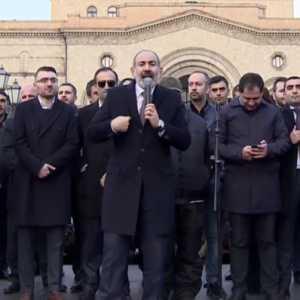 Didesak Mundur Oleh Tentara, PM Armenia Ancam Berhentikan Kepala Angkatan Darat