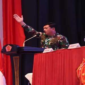 Buka Rapim TNI, Marsekal Hadi Ingatkan Bahayanya Media Sosial