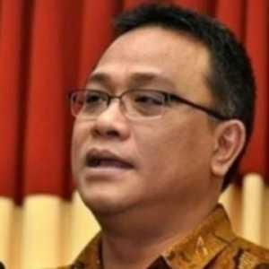 Sarat Politis, Pakar Hukum Sarankan Jokowi Beri Abolisi Untuk Jumhur Dan Syahganda
