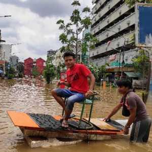 Banjir (Kembali) Cuma Jadi Komoditas Politik