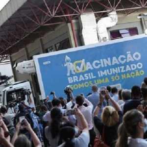 Brasil Terima Kiriman Bahan Pembuat Vaksin AstraZeneca Dari China