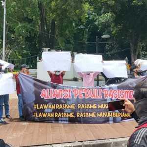 Mahasiswa Papua Aksi Di Istana Negara, Tolak Rasisme