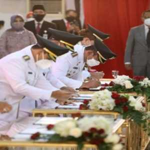 Lantik 17 Kepala Daerah, Ganjar Ingatkan Soal Penanganan Covid-19 Hingga Perang Terhadap Korupsi