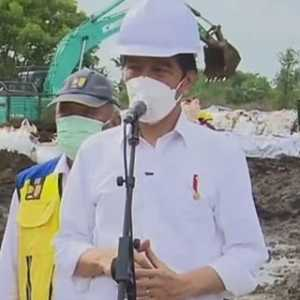 Tinjau Tanggul Citarum, Jokowi Minta Perbaikan Selesai Dua Hari