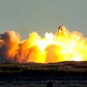 Roket SpaceX Mars Meledak Lagi Saat Mendarat Pada Ujicoba Peluncuran