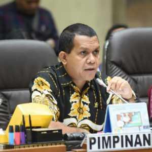 Dipotong 50 Persen, DPR Desak Menkeu Sri Mulyani Kembalikan Besaran Insentif Nakes Seperti Semula
