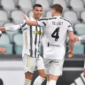 Brace Ronaldo Ke Gawang Crotone Bikin Persaingan Juara Makin Ketat