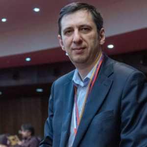 Analis Rusia: Desakan Mundur Dari Militer Wajar Karena PM Armenia Selalu Menghindari Tanggung Jawab