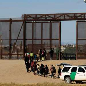 Biden Tepati Janji, Secara Bertahap 25.000 Pencari Suaka Akan Diijinkan Masuk AS