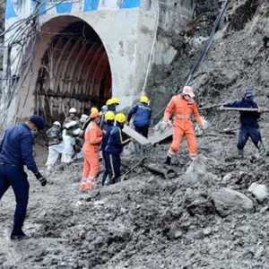 Gletser India, Tim Penyelamat Fokuskan Pencarian 37 Pekerja Yang Terjebak Di Terowongan