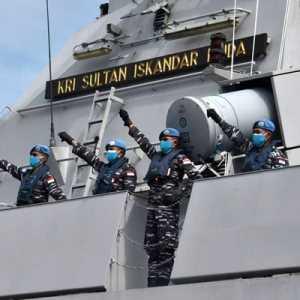 TNI AL Berangkatkan KRI Sultan Iskandar Muda Bawa Kontingen Garuda XXVIII-M Laksanakan Misi Perdamaian Dunia Ke Lebanon